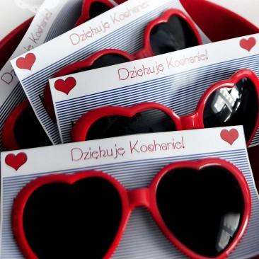 Prezent dla gosci - okulary serca - Walentynki