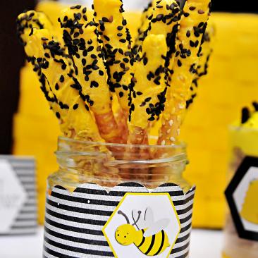 Paluszki w czekoladzie - Urodziny Pszczółkowe Bee Party
