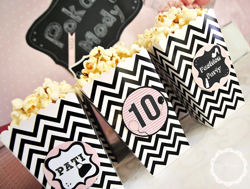 małe pudełka na popcorn
