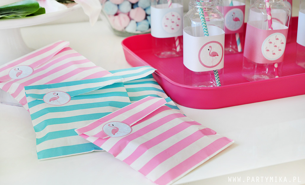 pink-and-aqua-party-paper-bags