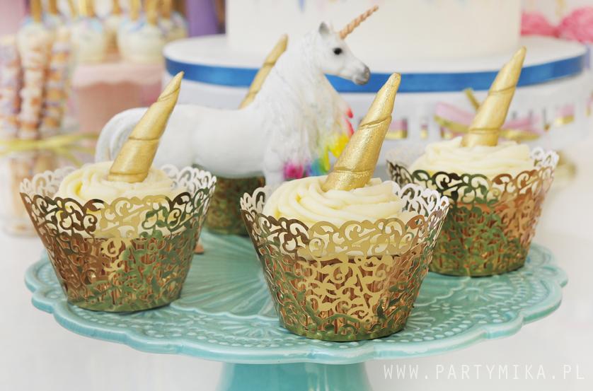 unicorn cupcakes złote papilotki
